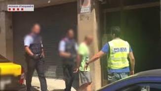 Detenen dos nois a Barcelona per difusió de pornografia infantil per WhatsApp