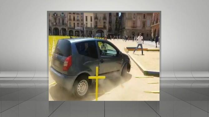 L'advocat del conductor que va envestir creus grogues a Vic nega motius polítics