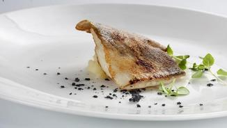 "Turbot fumat amb patata ""allimonada"""