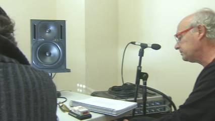 Joan Isaac grava un nou disc amb només veu i piano
