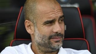 """Guardiola, enrabiat, a Terribas: """"Diuen que s'han atacat policies. Amb què? Amb vots?"""""""