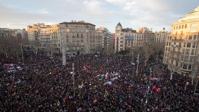 Catalunya viu les manifestacions feministes més multitudinàries en un 8M
