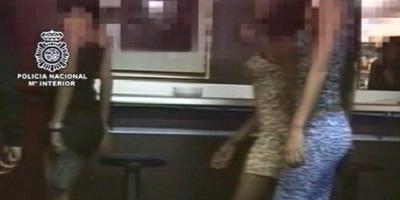 La xarxa de prostitució de Girona captava les seves víctimes per internet