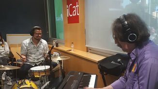 Pianistes, cantants i cintes de blues + August Tharrats en directe