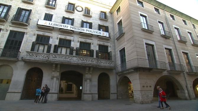 """Girona presenta recurs pel llaç groc i diu que """"no interfereix en el debat polític"""""""
