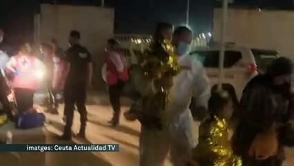 Ceuta, desbordada per l'arribada continuada de ciutadans marroquins