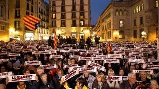 """""""La lluita de Cuixart, Sánchez, Junqueras i Forn és la nostra lluita"""". 4 mesos de presó"""