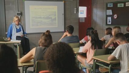 Els alumnes de l'Institut Salvador Espriu coneixen de primera mà la història de la família de Dory Sontheimer