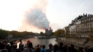 "Un turista català a Notre-Dame: ""He vist els ponts de París plens de francesos que ploraven"""