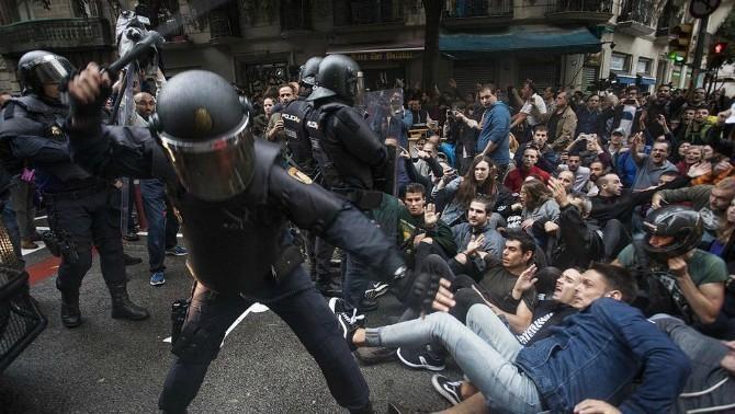 120 policies i guàrdies civils imputats per les càrregues de l'1-O