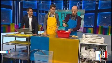 Rentar els plats a mà o a màquina?