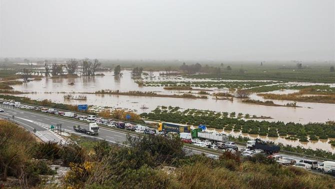Pugen a 13 les víctimes mortals del temporal a tot l'Estat