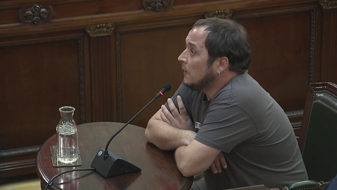 "David Fernàndez: ""If self-determination is the crime, I declare myself guilty and repeat offender"""