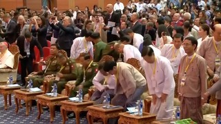"Francesc evita fer servir la paraula ""rohingya"" davant de Suu Kyi"