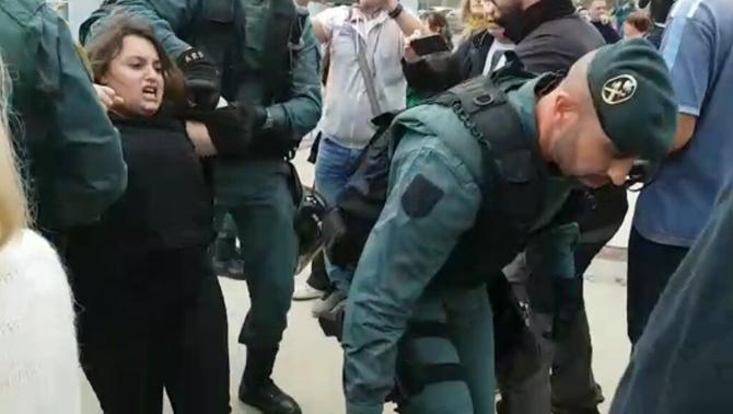Un guàrdia civil nega a la jutge que els manifestants de l'1-O fossin violents