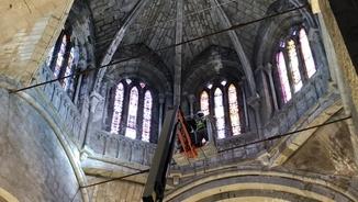 El monestir de Sant Cugat es renta la cara