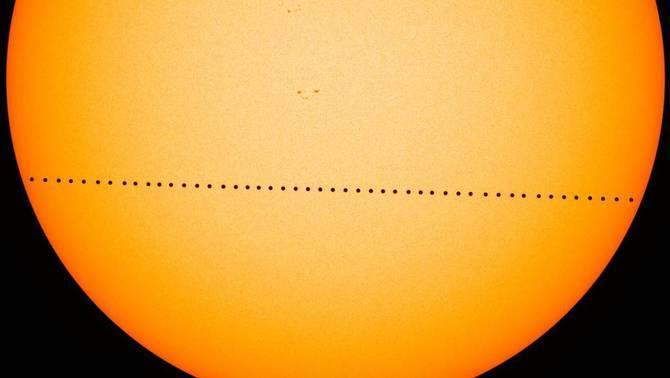 Composició del trànsit de Mercuri (NASA Goddard Space Flight/SDO/Genna Duberstein)