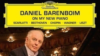 """On my new piano"" Daniel Barenboim, pianista. Deutsche Grammophon"