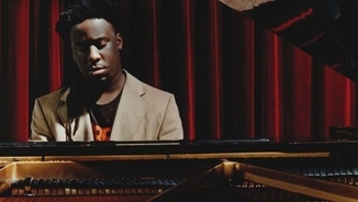 "Una veu: Sinne Eeg ""We've Just Begun""/Robert Glasper ""Canvas"""
