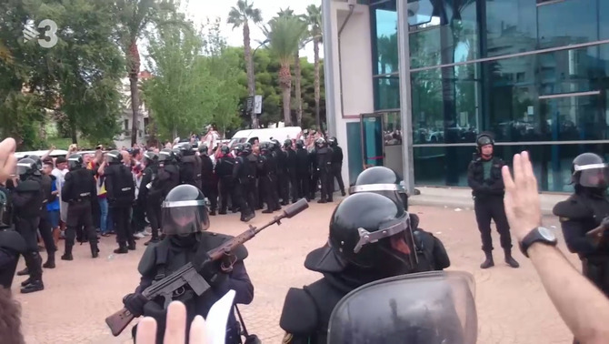 The videos of the Guardia Civil action on 1-O that were not viewed today in the Supreme Court