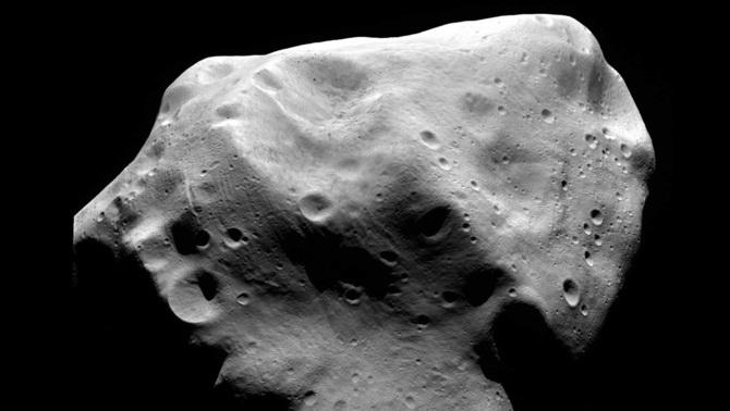 Els asteroides primitius han rebut milions d'impactes des de la seva formació