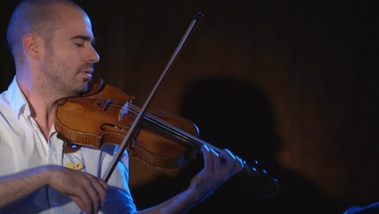 "El violinista Joel Bardolet interpreta ""In Nomine"""