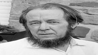 El premi nobel Aleksander Soljenitsin, homenatjat al Teatre Bolxoi