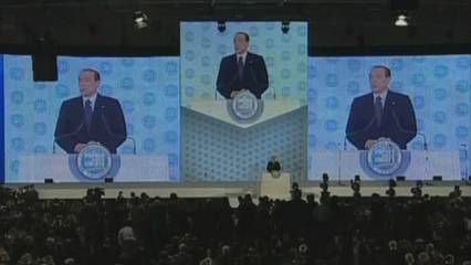 Berlusconi expulsa Fini