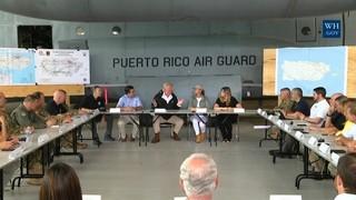 La polèmica visita de Trump al Puerto Rico devastat per l'huracà Maria