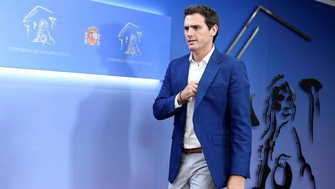 "Albert Rivera surt de l'hospital: ""M'he endut un bon ensurt"""