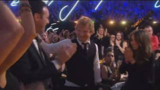 Ed Sheeran triomfa als Brit Awards