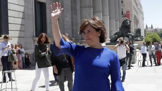 Sáenz de Santamaría diu que presenta la seva candidatura per guanyar i defensar un projecte unit