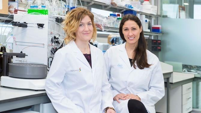 Les investigadores Marie-Eve Beaulieu i Laura Soucek