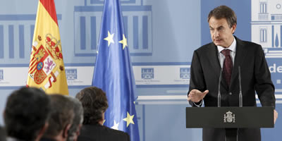 Zapatero tirarà endavant les reformes amb consens o sense