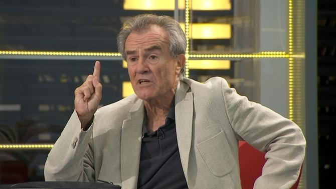 """Pérez Royo: """"Si són eurodiputats, no hi haurà sentència i sortiran tots de la presó"""""""