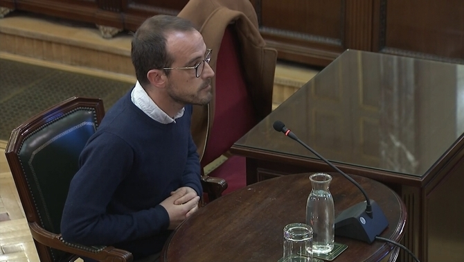 The State Attorney General asks that the person in charge of promotion of the Catalan government be charged with perjury