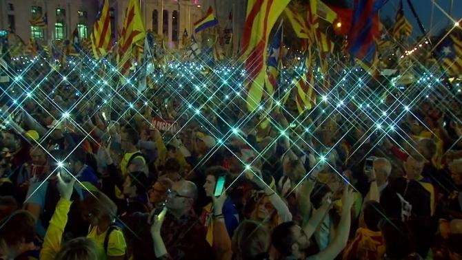 """""""L'estaca"""" sona amb força al cor de Madrid per la manifestació del 16M"""