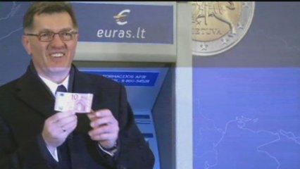 Lituània estrena l'euro i Letònia ocupa la presidència de la UE