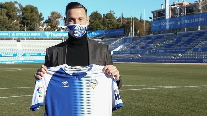 """Álvaro Vázquez: """"Vull ajudar al màxim el Sabadell"""""""