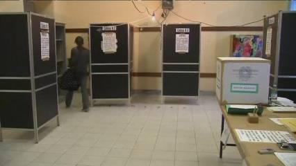 Berlusconi guanya a sis regions