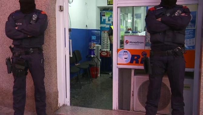 Macrooperació amb 600 mossos contra punts de venda de drogues a l'àrea de Barcelona