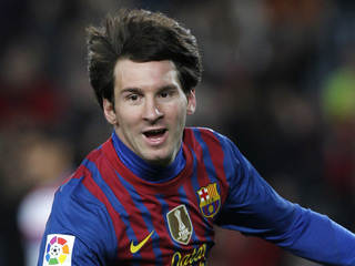 Messi_celebraREU