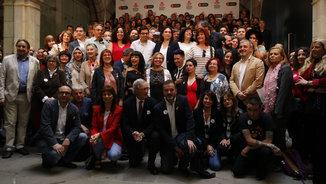 Colau recorda Cuixart i les víctimes de l'atemptat a la Rambla durant la diada de Sant Jordi