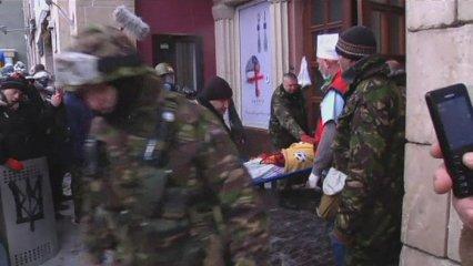 Un mort en les protestes d'Ucraïna