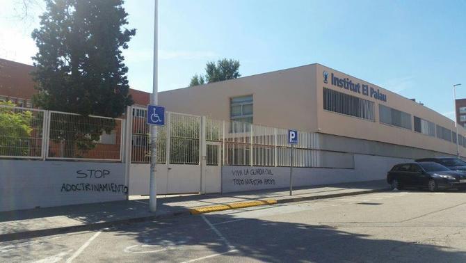 Demanen el trasllat uns 30 professors de l'IES El Palau, de Sant Andreu de la Barca