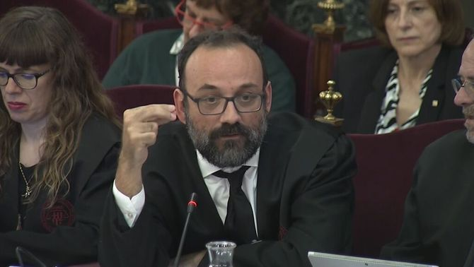 Salellas anticipates Marchena over the veto on the videos of the accusations