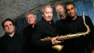 """Movements in colour"", ""Trio Libero"" i ""Sorrounded by sea"", del saxofonista Andy Sheppard"
