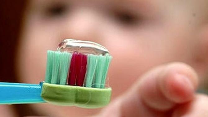 Augmenten els casos de nens amb dentadures hipomineralitzades, poroses i fràgils i amb tendència a trencar-se